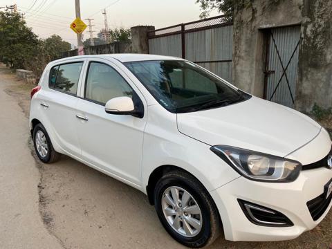 Hyundai i20 Sportz Petrol (2013) in Udaipur
