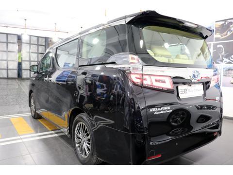 Toyota Vellfire Hybrid (2020) in Faridabad