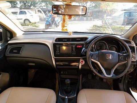 Honda City 1.5 V MT Sunroof (2015) in Kolkata