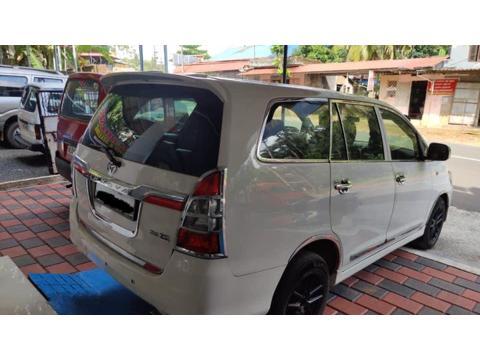 Toyota Innova 2.5 G4 8 STR (2013) in Pathanamthitta