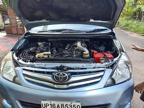 Toyota Innova 2.5 V 7 STR (2010) in Pathanamthitta