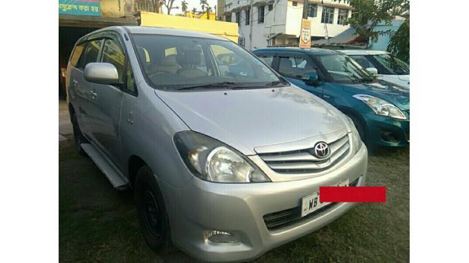 Used 2011 Toyota Innova Car In Kolkata