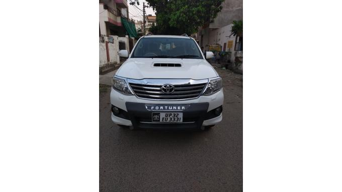 Used 2013 Toyota Fortuner Car In Lucknow