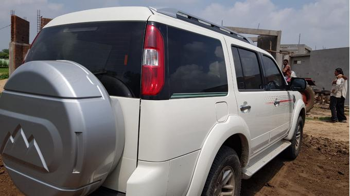 Used 2010 Ford Endeavour Car In Ahmedabad