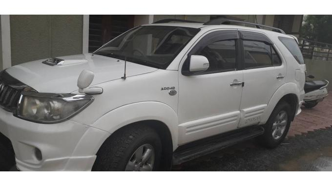 Used 2011 Toyota Fortuner Car In Ahmedabad