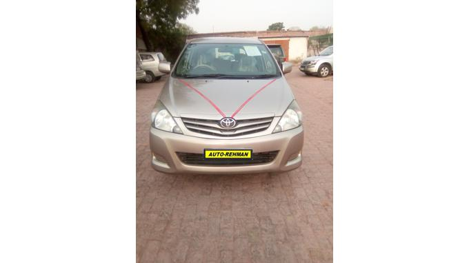 Used 2010 Toyota Innova Car In Gurgaon
