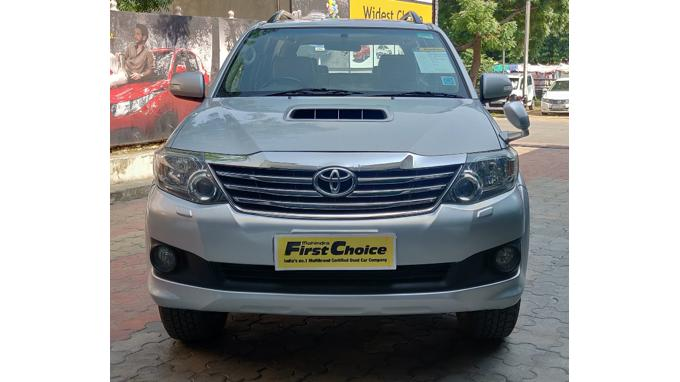 Used 2013 Toyota Fortuner Car In Sikar