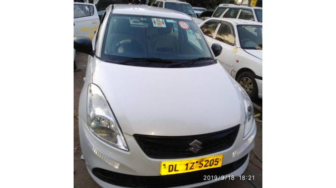Used 2015 Maruti Suzuki Swift Dzire Car In New Delhi