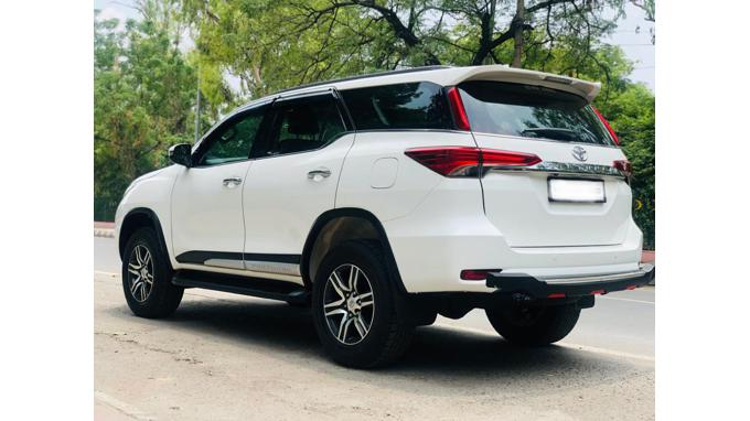 Used 2017 Toyota Fortuner Car In New Delhi