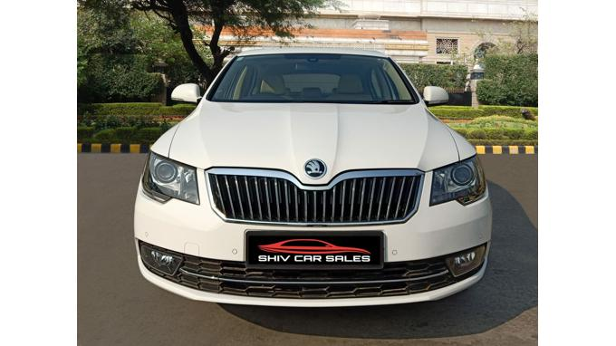 Used Skoda Superb 1 8 Tsi At Elegance 2015 In New Delhi